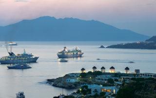06-Boats-in-Mykonos-Harbor-320x202