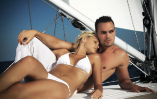 Greek-honeymoon-couple-320x202