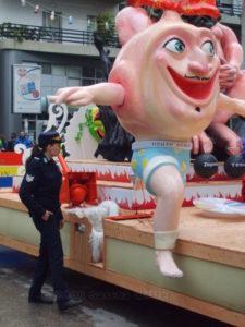 betabug-greek-carnival-pic-225x300