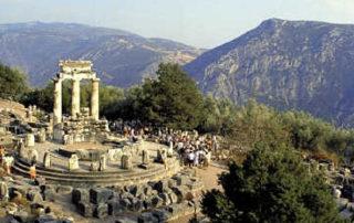 delphi-tour-Greece-320x202