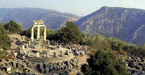 delphi-tour-Greece