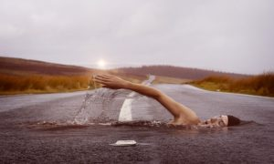 swimmer-1678307_640-300x180