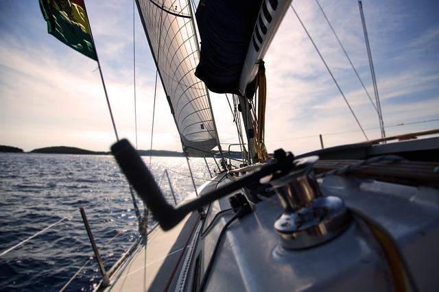 sailboat-1867124_640