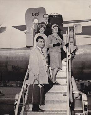 boarding-aircraft-web