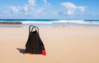 scuba-beach-1209198_640-320x202