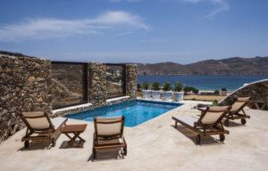 small-mykonos-villa-for-rent-4-300x192